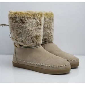 TOMS Beige Tan Nepal Slip-on Winter Boots Size 10